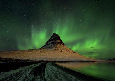 Kirkjufell, Auroras boreales, Islandia.