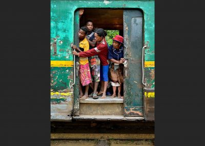 Tren de la selva / train of the forest, Madagascar.