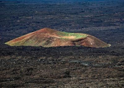 Pequeño volcan / little volcano, Parque Nacional Timanfaya, Lanzarote, Canary Islands, Spain.