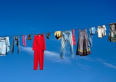 Tendedero de ropa / clothesline, West USA.