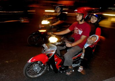 Familia en moto / Family on motorbike, Bali, Indonesia