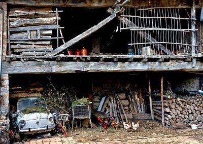 El garaje del abuelo / Grandfather's Garage, Los Ancares, Spain.