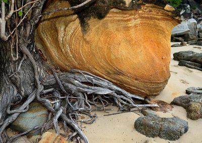 Roca en la playa, Nosy Be, Madagascar.